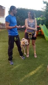 Enrique Solís en entrenamiento de perro de TEA